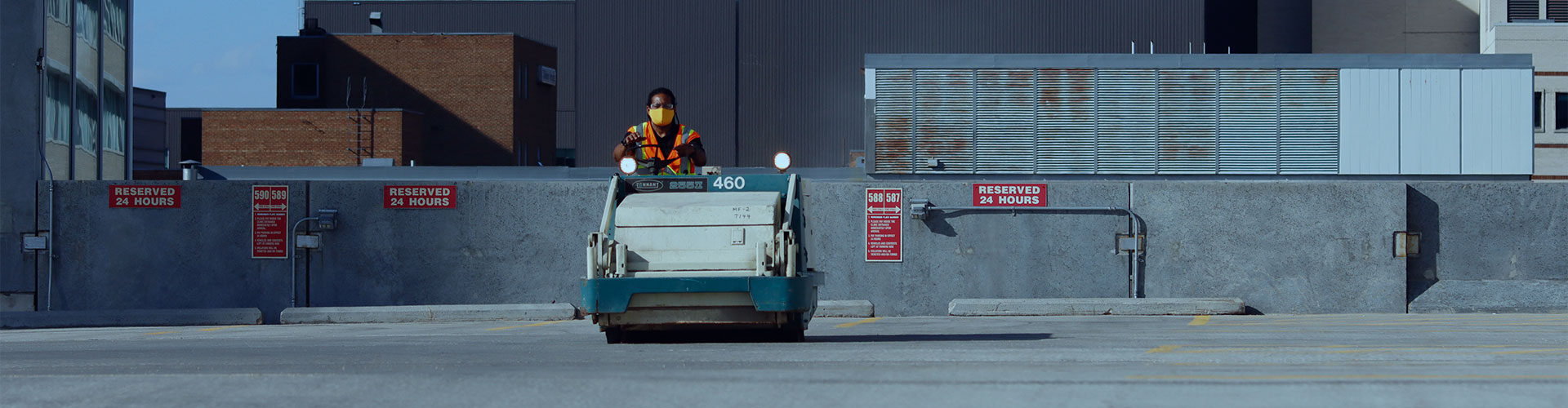Parking-lot-cleaning-and-sweeping-winnipeg